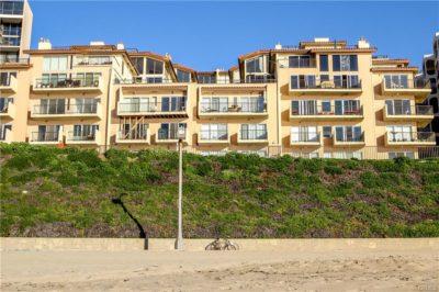 Casa Bahia at 535 Esplanade from beach