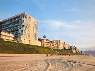 Oceanfront homes in Redondo beach